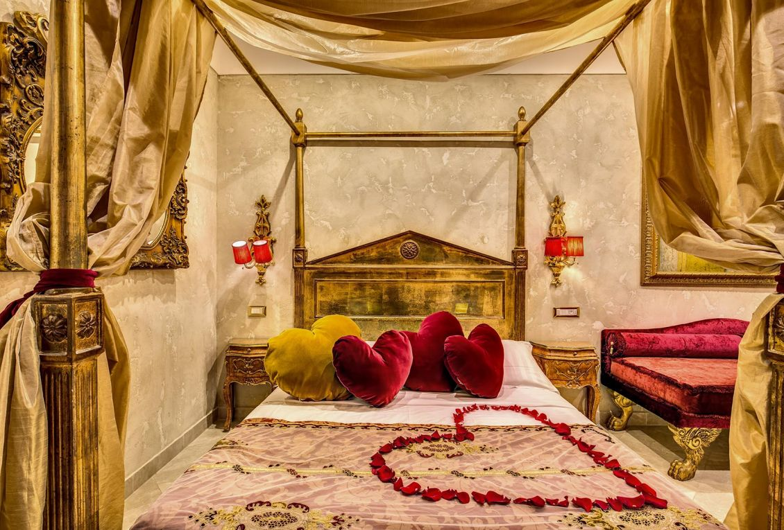 Elegant hotel in the center of Rome for romantic holidays in Rome
