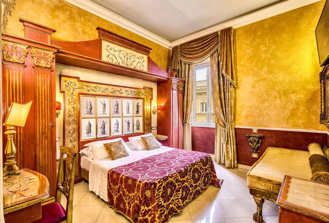 Rooms in classic style to stay in Rome