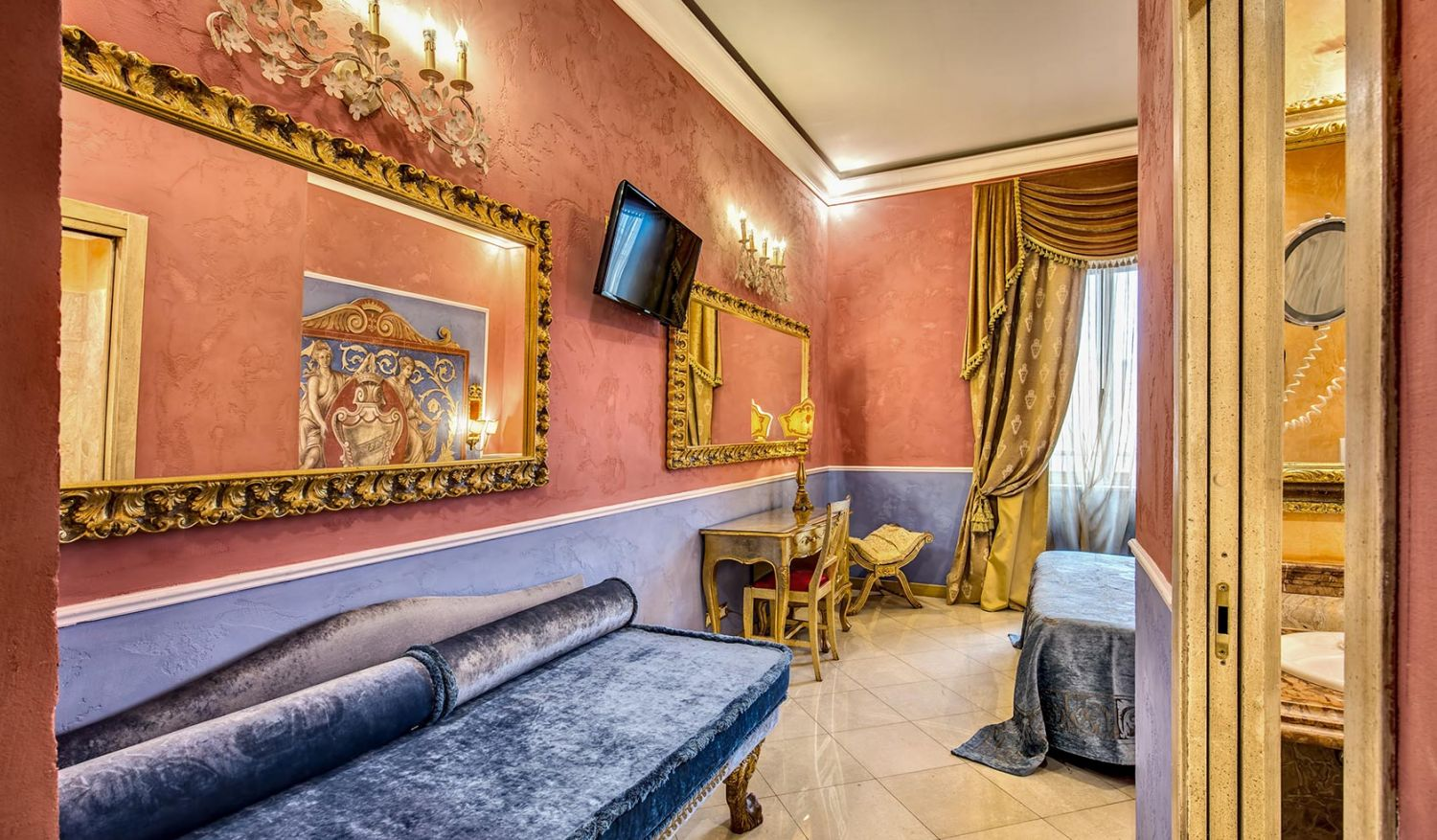 Triple rooms for a family stay in Romale roma