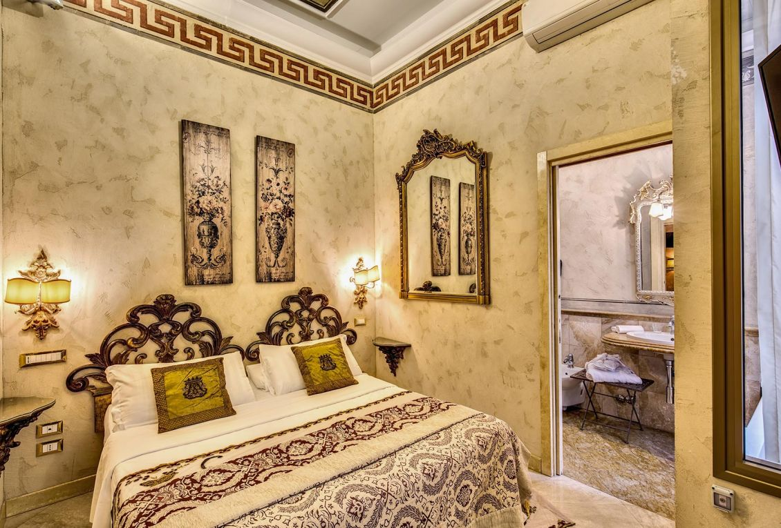 Luxury hotel near the center of Rome has cozy rooms