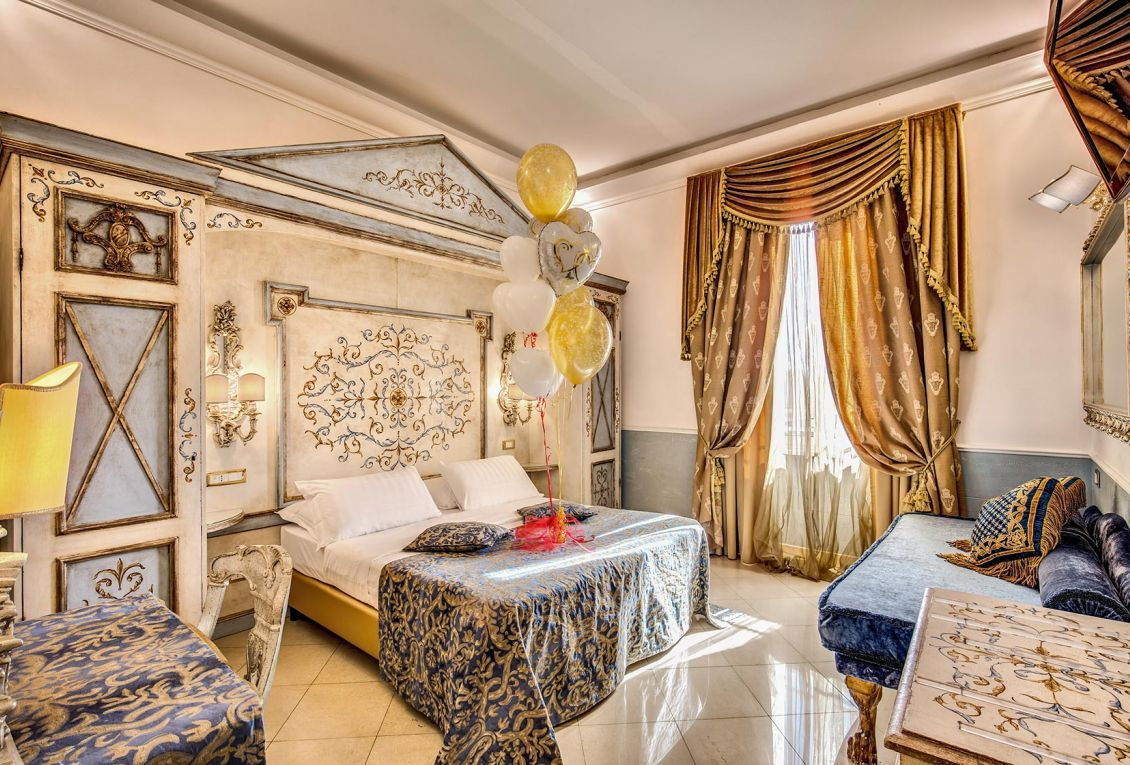 Elegant luxury rooms in the center of Rome