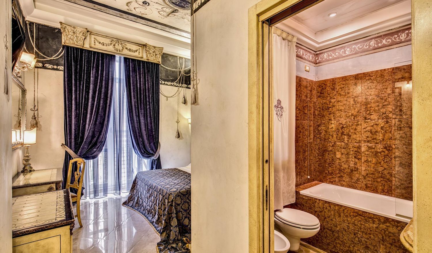 Elegant double rooms for single use in Rome