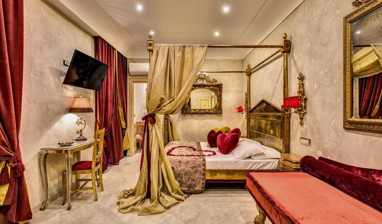 Rome romantic room